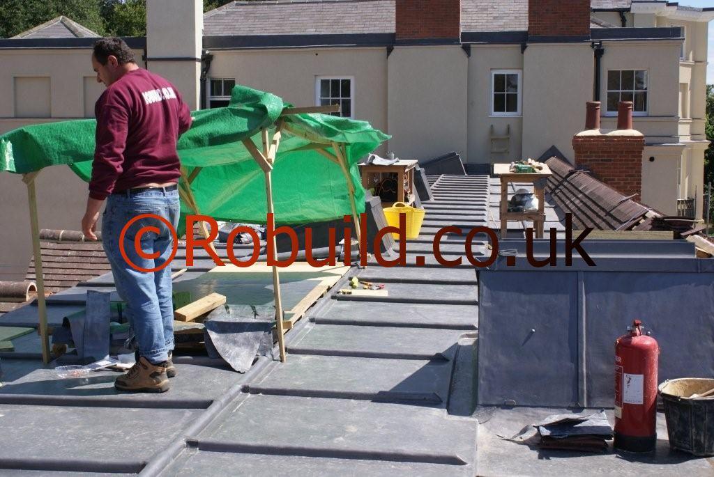 Roofers Robuild London